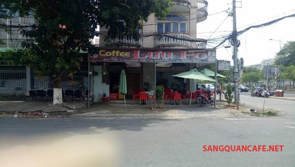 Sang nhanh quán cafe mặt tiền đường, nằm khu dân cư đông đúc.